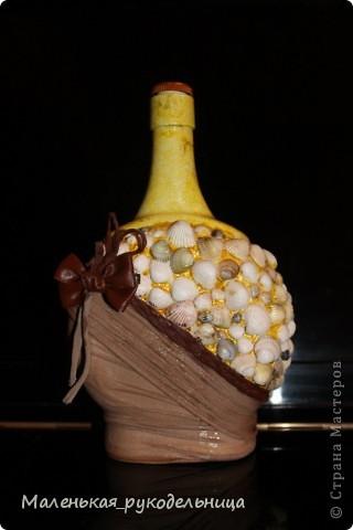 Вот такую бутылочку я решила сделать из ракушек. Это одна из первых моих работ. фото 1