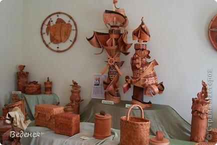 Я живу в небольшом сибирском городе Мариинске.  Это деревянное сооружение встречает каждого въезжающего. фото 11