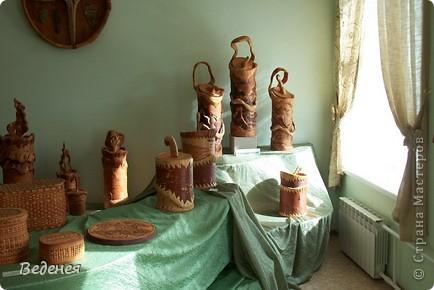 Я живу в небольшом сибирском городе Мариинске.  Это деревянное сооружение встречает каждого въезжающего. фото 12