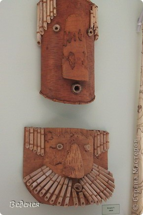 Я живу в небольшом сибирском городе Мариинске.  Это деревянное сооружение встречает каждого въезжающего. фото 15