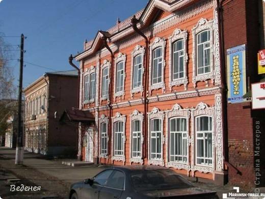 Я живу в небольшом сибирском городе Мариинске.  Это деревянное сооружение встречает каждого въезжающего. фото 5