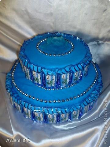 Вот такой тортик сварганила в подарок.  фото 4