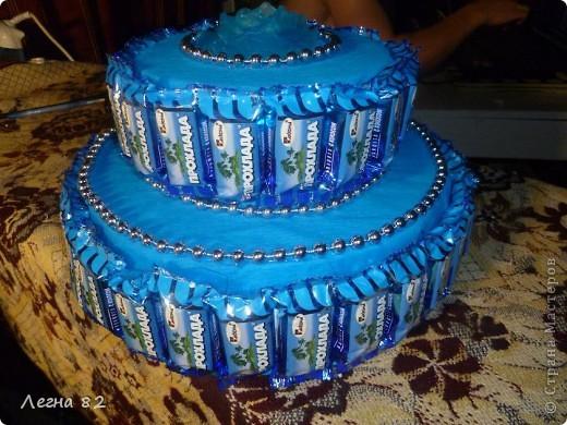 Вот такой тортик сварганила в подарок.  фото 6