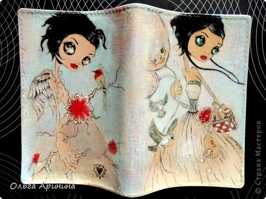 """Кожаная обложка для паспорта """"Ангел"""", декорированная в технике декупаж с применением кракелюра,подрисовка акриловыми красками, покрыта стекловидным лаком. В декоре применялись распечатки работ Caia Koopman фото 1"""