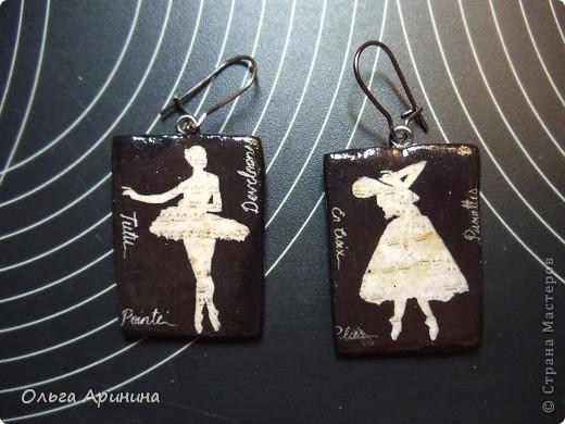 """Серьги из полимерной глины """"Танец"""", декорированные в технике декупаж, покрыты стекловидным лаком. Лицевая и оборотная сторона фото 5"""