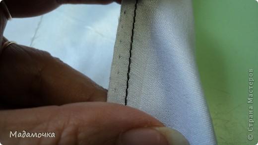 на лицевую часть ткани прикладываем тесьму , лицо к лицу и видим сгиб, желобок или кому как нравится...срезы уравниваем,  фото 3