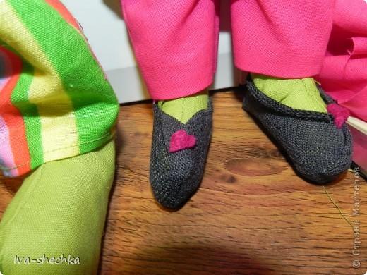 Решила племяшке сделать игрушку своими руками и остановила выбор на тильде, а именно на тильде- зайке)) Но так как это мой первый опыт работы со швейной машинкой и выкройкой-не судите строго:)) фото 5