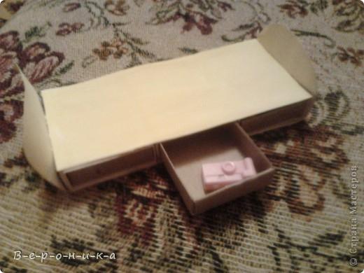 это мой столик для кукол.низковат немного,но им понравилось) фото 3