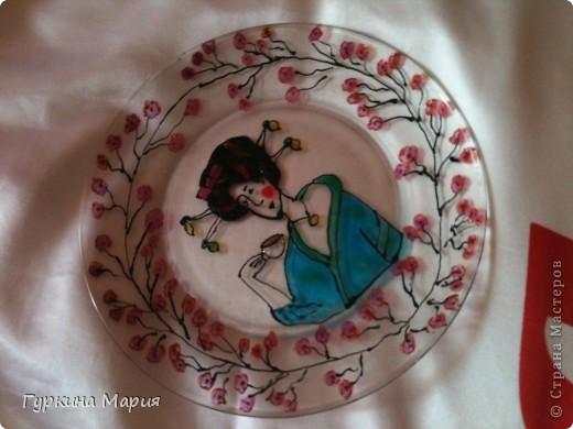 Такая вот витражная тарелка у меня получилась фото 1