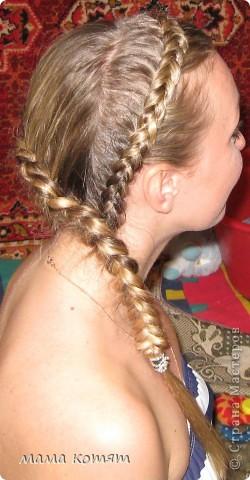 """Доброго всем времени суток. я очень долго складировала фото своих причёсок и """"наконец настал тот час""""))). эту причёску я делала пару недель назад своей куме - она шла на день варенья). вот отсель я научилась плести из хвоста такую шикарную косу http://stranamasterov.ru/node/316387. спасибо Поганочке за такую отличную причу) я и себе уже несколько раз и в разных вариантах заплетала, но всё никак не запечатлею. фото 2"""
