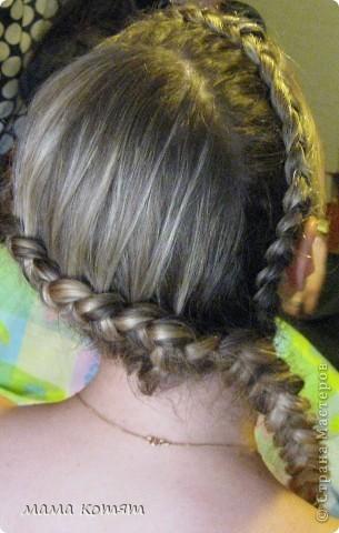 """Доброго всем времени суток. я очень долго складировала фото своих причёсок и """"наконец настал тот час""""))). эту причёску я делала пару недель назад своей куме - она шла на день варенья). вот отсель я научилась плести из хвоста такую шикарную косу http://stranamasterov.ru/node/316387. спасибо Поганочке за такую отличную причу) я и себе уже несколько раз и в разных вариантах заплетала, но всё никак не запечатлею. фото 4"""