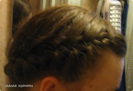 """Доброго всем времени суток. я очень долго складировала фото своих причёсок и """"наконец настал тот час""""))). эту причёску я делала пару недель назад своей куме - она шла на день варенья). вот отсель я научилась плести из хвоста такую шикарную косу http://stranamasterov.ru/node/316387. спасибо Поганочке за такую отличную причу) я и себе уже несколько раз и в разных вариантах заплетала, но всё никак не запечатлею. фото 10"""
