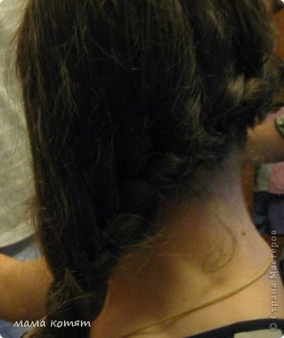 """Доброго всем времени суток. я очень долго складировала фото своих причёсок и """"наконец настал тот час""""))). эту причёску я делала пару недель назад своей куме - она шла на день варенья). вот отсель я научилась плести из хвоста такую шикарную косу http://stranamasterov.ru/node/316387. спасибо Поганочке за такую отличную причу) я и себе уже несколько раз и в разных вариантах заплетала, но всё никак не запечатлею. фото 11"""