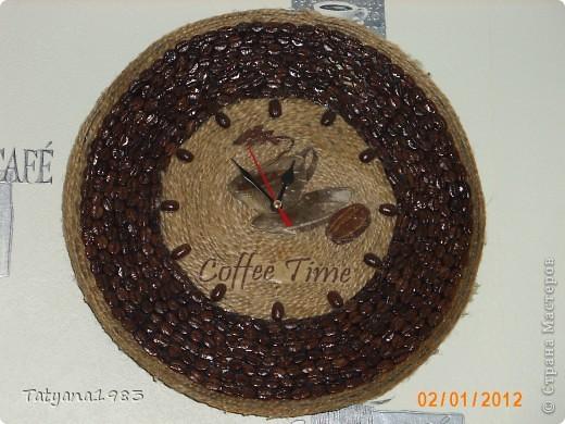 Часы на старой пластинке фото 1