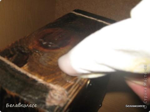 Всем добрый день!Сегодня мы с Вами сделаем ящик своими руками и состарим его по всем правилам как советуют специалисты http://www.sarafanov-style.ru/sovet/sostarivanie_mebeli/ . фото 38