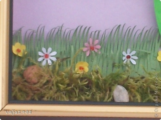 Здравствуйте  дорогие  жители  Страны  Мастеров! Весна  прошла !  .Уже цветут  другие цветы! Отцвели  ландыши,  а я решила  их  сохранить  в квиллинге. Делала  по  МК  Ольги  Ольшак. Очень старалась, а как получилось  судить вам! фото 2