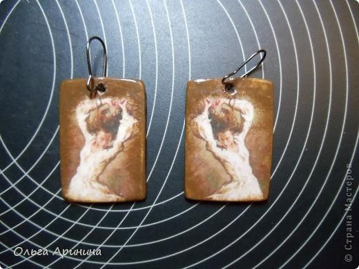 """Серьги из полимерной глины """"Танец"""", декорированные в технике декупаж, покрыты стекловидным лаком. Лицевая и оборотная сторона фото 2"""
