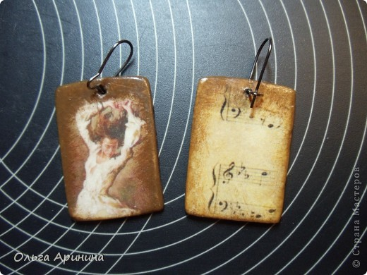 """Серьги из полимерной глины """"Танец"""", декорированные в технике декупаж, покрыты стекловидным лаком. Лицевая и оборотная сторона фото 1"""