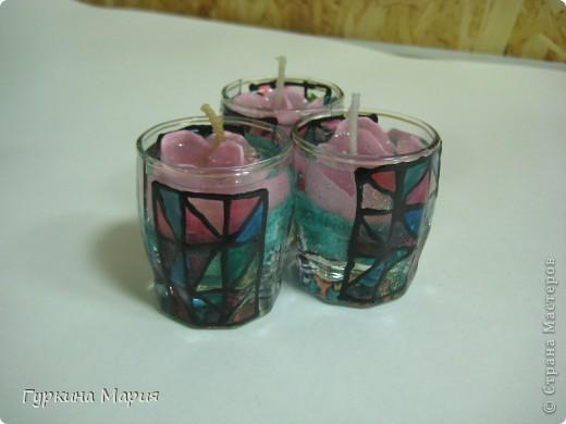 """Эти свечки я делала с  помощью песка, геля, цветков, фителей, витражных красок. Цветы - это наполнитель для принятия ванны, которые я заказывала в каталоге """"Avon"""" или """"Oriflem"""", но использовала я их не по назначению)) фото 1"""