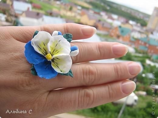 это кольцо я сделала к заколке,которую сделала и выложила ранее