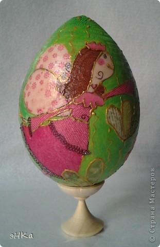 Деревянное яйцо высотой 10 см фото 1