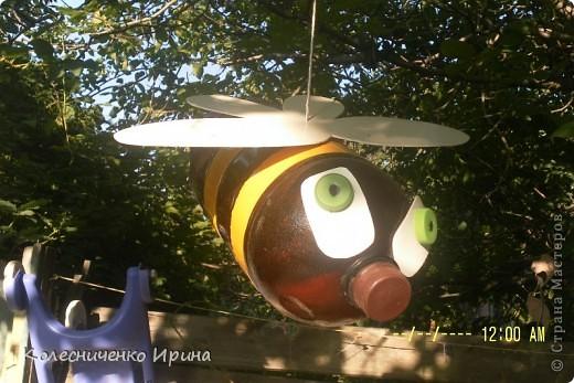 Вот такие пчелки поселились у меня на дереве...идея не моя, увидела в интернете и очень захотелось таких сделать.... я так увлеклась, что сделала сразу две.... эта пчелка голубоглазая...... фото 2