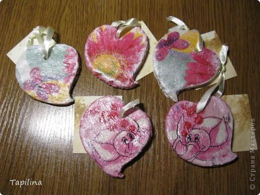 маленькие сувенирчики, приятные подарочки или просто милые ароматические подвески.  запах - мелисса, зверобой, лаванда. окрашены акрилом  фото 6