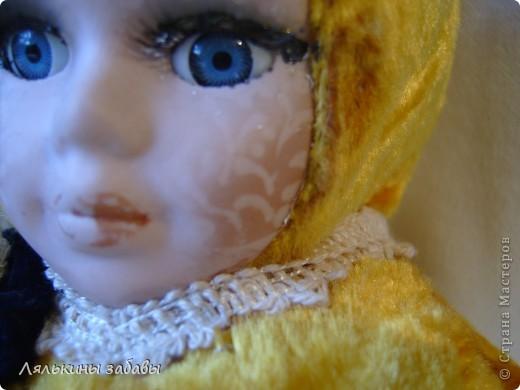 Давно мылилась на такую куклу и вот решилась. Хотелось многого ,но начала с котейки. рост 25 см.сидящая малышка,статичная.Следующую сделаю на шплинтах. авторская работа. личико и ручки-от коллекционной куклы (фарфор) 2006года. фото 5