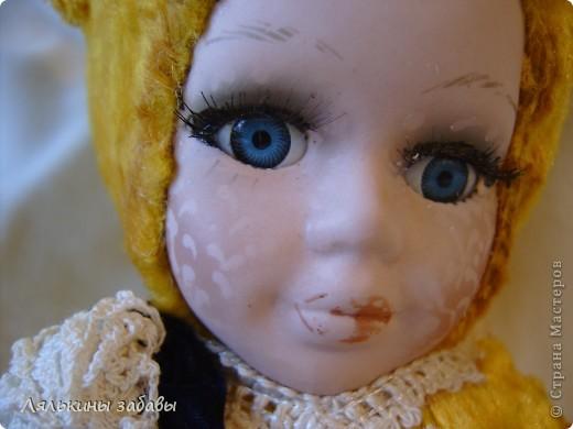 Давно мылилась на такую куклу и вот решилась. Хотелось многого ,но начала с котейки. рост 25 см.сидящая малышка,статичная.Следующую сделаю на шплинтах. авторская работа. личико и ручки-от коллекционной куклы (фарфор) 2006года. фото 6
