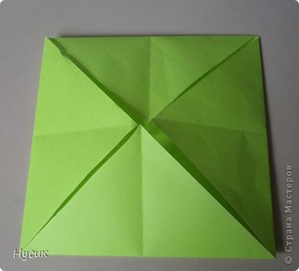 Не так давно я вела кружок оригами в загородном лагере. И на презентацию кружка всегда рассказывала эту сказку. Она тоже очень давняя. Побродив по Стране мастеров, нашла еще два варианта  http://stranamasterov.ru/node/19044?c=favorite http://stranamasterov.ru/node/302273?c=favorite  Но все же решила выложить и свою с целью дополнить уже имеющиеся, так как переходы от одной фигуры к другой  в разных вариантах разные. А вдруг и пригодиться кому. фото 3