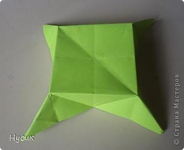Не так давно я вела кружок оригами в загородном лагере. И на презентацию кружка всегда рассказывала эту сказку. Она тоже очень давняя. Побродив по Стране мастеров, нашла еще два варианта  http://stranamasterov.ru/node/19044?c=favorite http://stranamasterov.ru/node/302273?c=favorite  Но все же решила выложить и свою с целью дополнить уже имеющиеся, так как переходы от одной фигуры к другой  в разных вариантах разные. А вдруг и пригодиться кому. фото 7