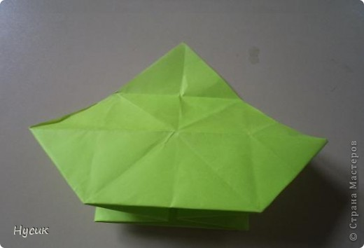 Не так давно я вела кружок оригами в загородном лагере. И на презентацию кружка всегда рассказывала эту сказку. Она тоже очень давняя. Побродив по Стране мастеров, нашла еще два варианта  https://stranamasterov.ru/node/19044?c=favorite https://stranamasterov.ru/node/302273?c=favorite  Но все же решила выложить и свою с целью дополнить уже имеющиеся, так как переходы от одной фигуры к другой  в разных вариантах разные. А вдруг и пригодиться кому. фото 16