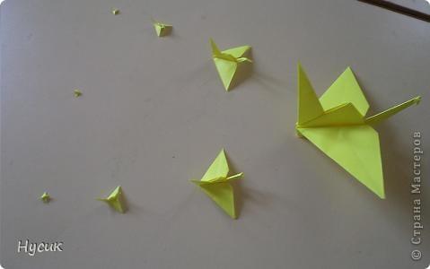 Журавлиный клин. Из одного листа бумаги А4. три точки слева - тоже журавлики.  фото 1