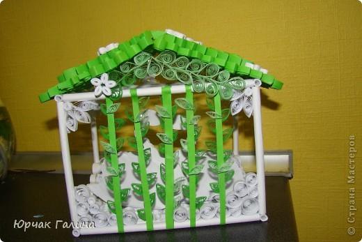Вот такой подарок решила я сделать  на свадьбу моей любимой сестричке.Где то на просторах интернета увидела такой домик  (только там жили другие птички)  и решила его сотворить. И вот что получилось. фото 4
