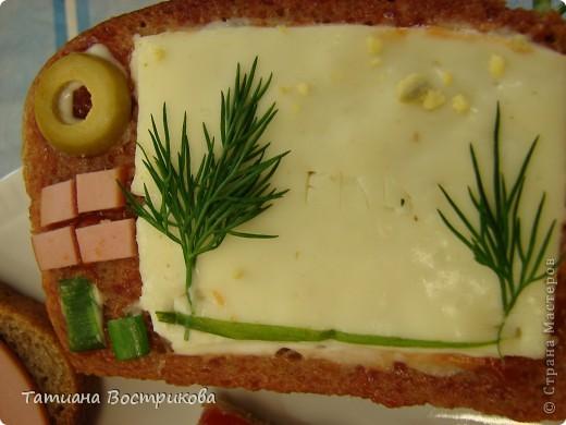 Детские бутерброды(дети сами готовили на уроках)(колбаса,сыр,булка,капуста-лист, украшение-яйцо,укроп,горох, кукуруза) фото 9