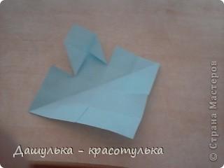 Вот крутила бумажку и получился цветочек.Это мой первый мастер класс я так волнуюсь. фото 11
