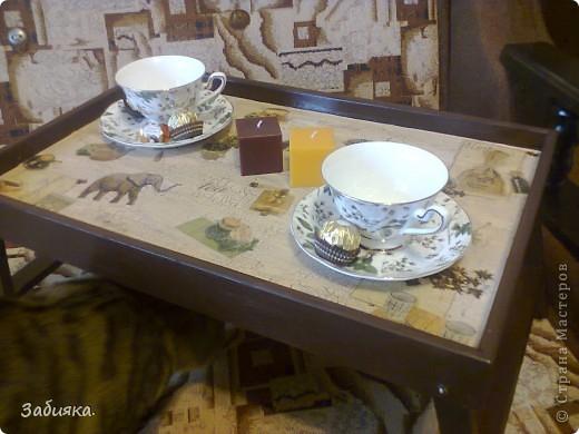 Скоро у мамы день рождения,вот мы с котом Максимом и решили что-нибудь сотворить,благо нашелся старый деревянный столик, фото которого история не сохранила...А вот то,что с него получилось)) фото 4