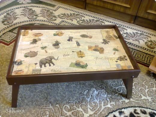Скоро у мамы день рождения,вот мы с котом Максимом и решили что-нибудь сотворить,благо нашелся старый деревянный столик, фото которого история не сохранила...А вот то,что с него получилось)) фото 2