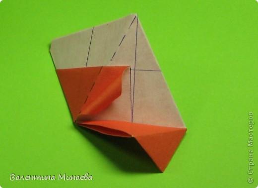 Горная фиалка (Mountain violet) автор: Валентина Минаева (Valentina Minayeva) соотношение бумаги 1:2 для бумаги с двусторонним эффектом Для данной кусудамы брала размер бумаги 11,0 х 5,5 см модули несимметричные, 60 штук итог - 12 см без клея в основе кусудамы лежит многогранник икосаэдр  фото 24