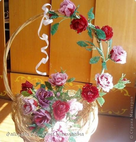 Поделка изделие День семьи Бисероплетение Букет из роз Бисер.