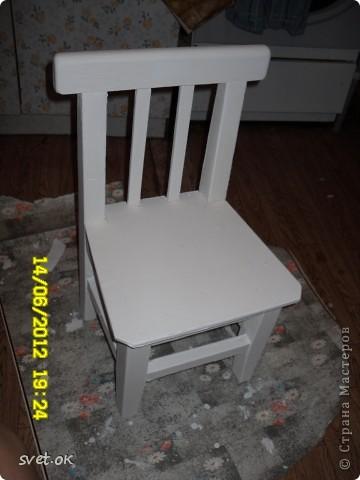 Здравствуйте, дорогие мастерицы! выношу на ваш суд свой первый опыт переделки старой вещи. вот такой стул сделала своему малышку. фото 3