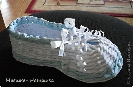 Прогулявшись по СМ я увидела что многие делают прелестнейшие башмачки... А я сделала - сандалий.  фото 1