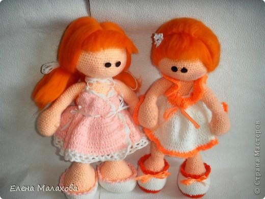 Две сестрички- близняшки. Обе рыженькие фото 1