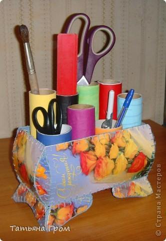 Подставка для карандашей из трубочек от туалетной бумаги фото 2