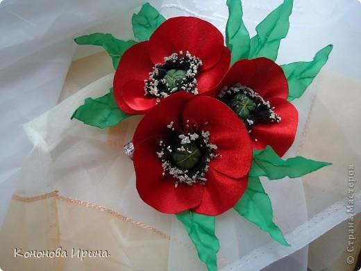 Очередные цветочки. Все цветы, которы я делаю, идут на изготовления резинок, брошек, заколок, так что я показываю Вам только сами цветочки. фото 6