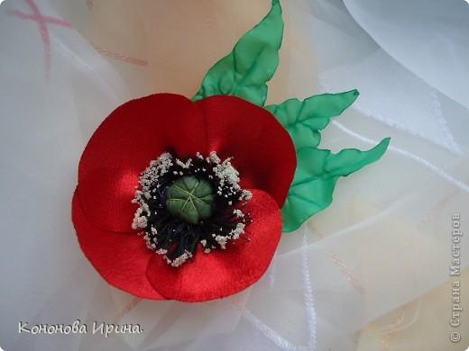 Очередные цветочки. Все цветы, которы я делаю, идут на изготовления резинок, брошек, заколок, так что я показываю Вам только сами цветочки. фото 3