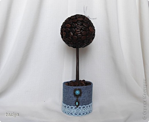 Привет девуленьки. Получила задание сделать 3 мааааленьких деревца (19,20,19 см) в разном стиле. Времени было дано сутки. Вот, что из этого вышло. Кстати, ооочень понравилось делать такие манюньки)))))))) фото 8