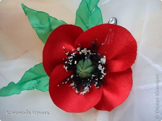 Очередные цветочки. Все цветы, которы я делаю, идут на изготовления резинок, брошек, заколок, так что я показываю Вам только сами цветочки. фото 4