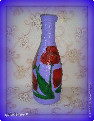 Бутылока сделана в технике декупаж с использованием салфетки и  яичной скорлупы фото 2