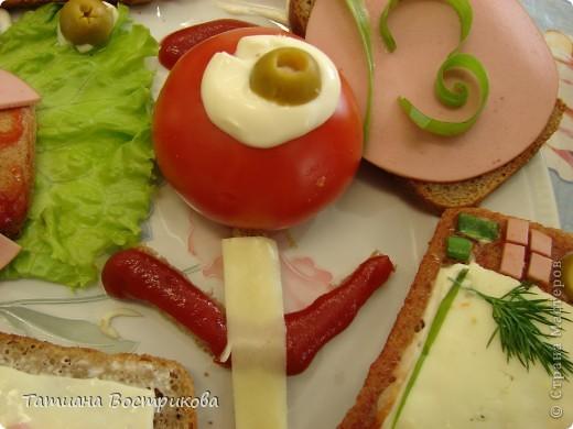 Детские бутерброды - продолжение Телефончики(хлеб,сыр, колбаса,перец красный,огурчики свежие и маринованые,горошек,кукуруза,оливки,салат) фото 5